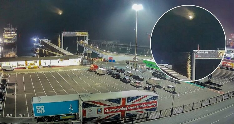 catches meteor lighting up the sky over Southampton, England