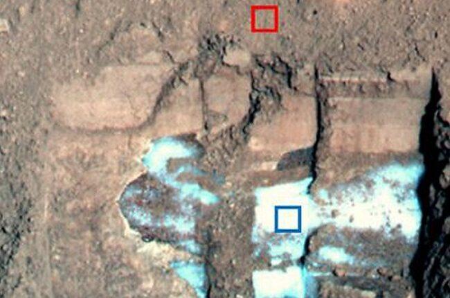 چرا برفهای مریخ غبارآلودند